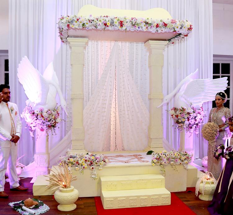 White swan theme designer wedding designer wedding sri lanka white swan theme designer wedding junglespirit Gallery